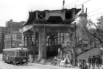 錦橋付近で建設中の空港線