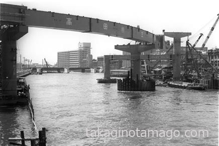 堂島川で建設中の空港線